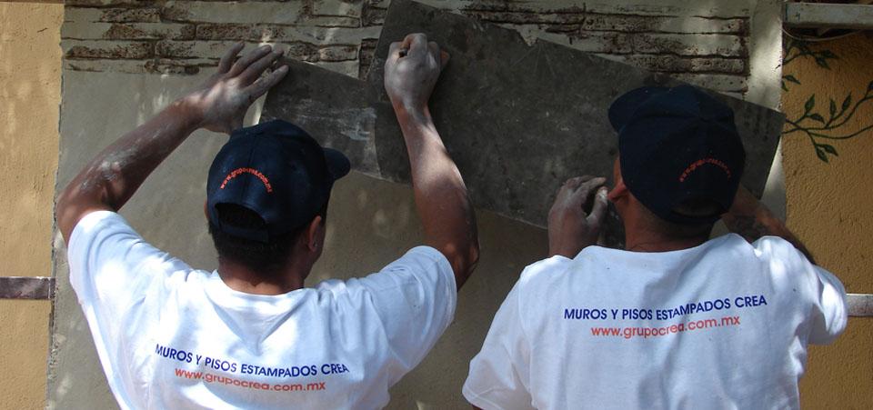 Revestimiento para acabados en muros tipo laja, piedra, ladrillo o granito evitando la extracción de bancos naturales que afecten nuestro sistema además de proporcionar una apariencia natural.