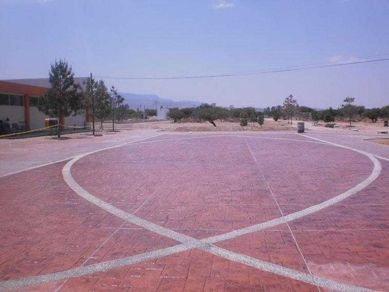 <p>Molde en concreto Mountain Ashler<br />Color: Ciruela<br />Desmoldante: Negro<br />Ejecución: Arq. Faustino Ortiz<br />San Felipe, Gto.</p>